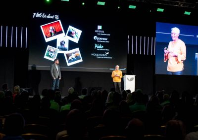 conference-video-screens